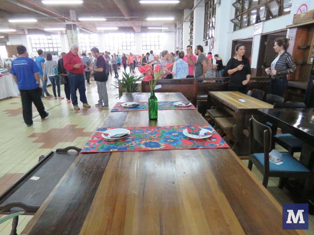 cf561de1b70 Mercado de Pulgas atrai mais de 5 mil pessoas para Brusque