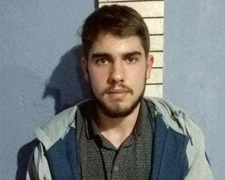 Jovem preso por se fingir de médico é encontrado morto em SC