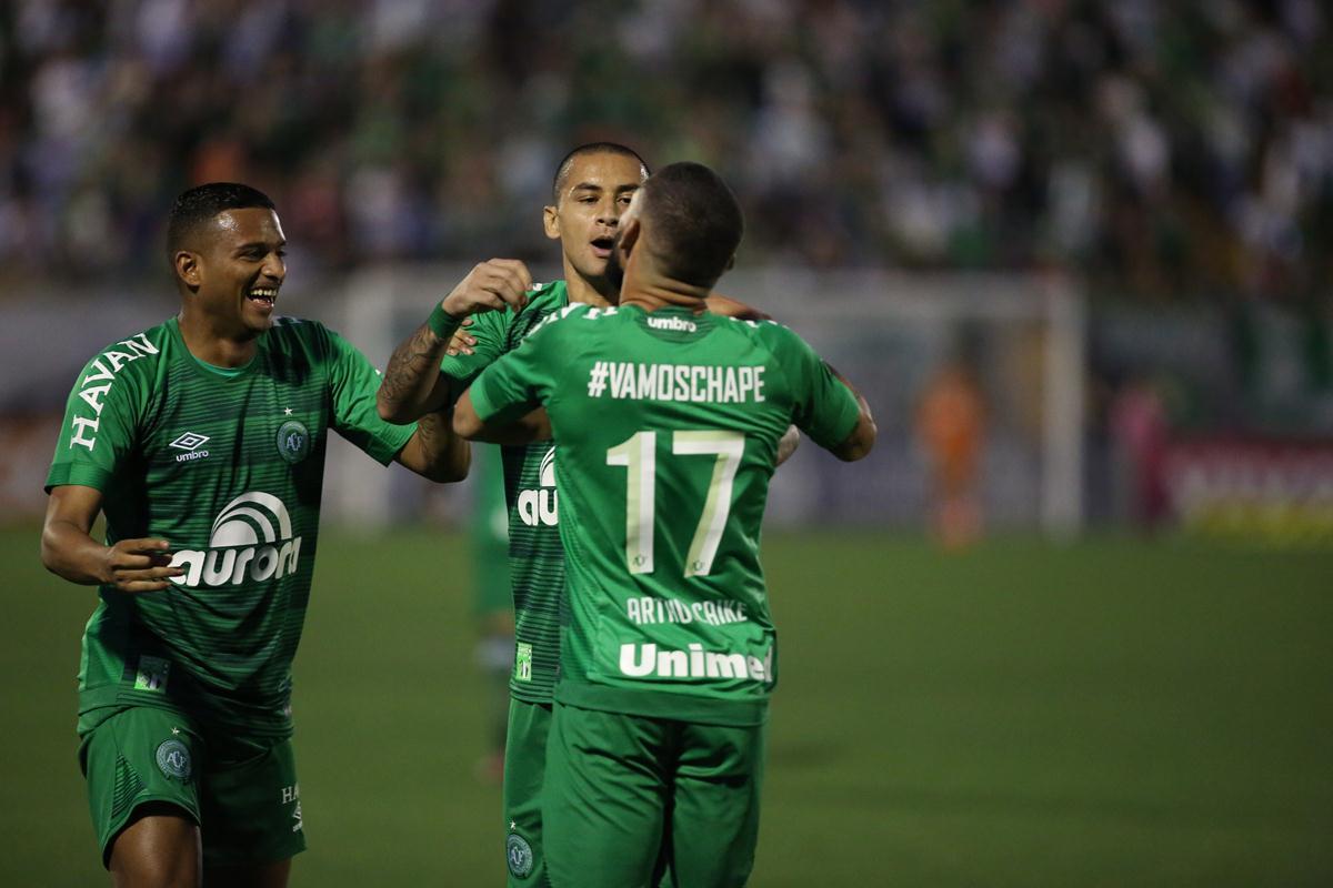 Última rodada tem briga por vaga na Libertadores e luta contra degola
