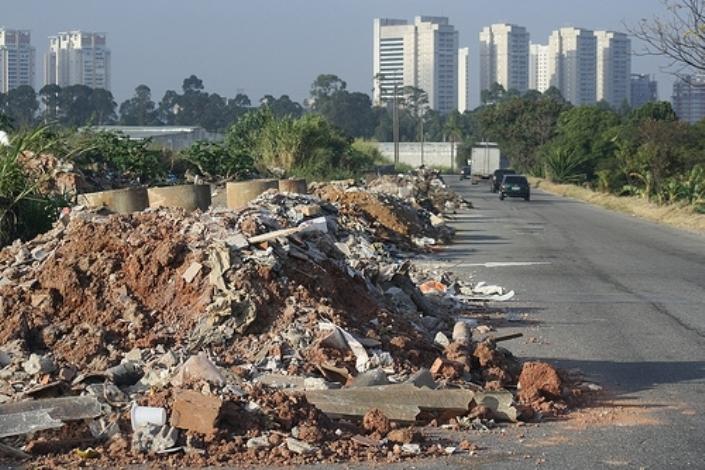Resultado de imagem para residuos construção civil