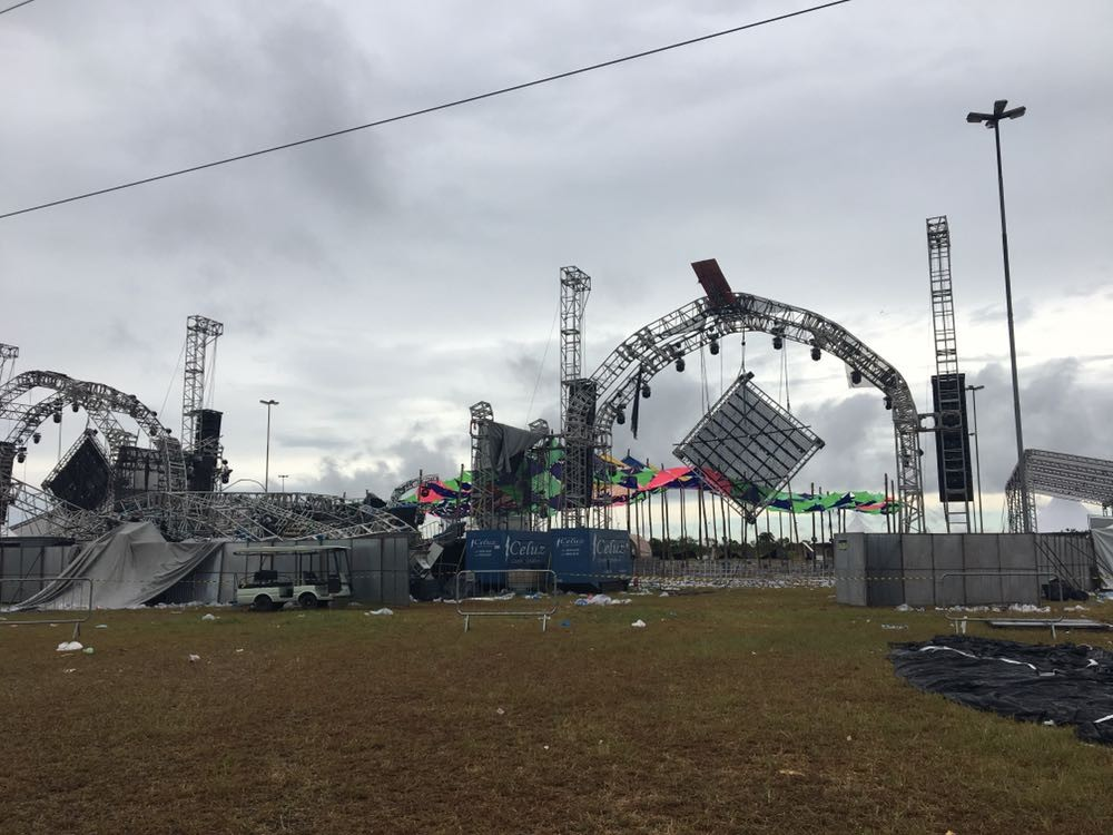 DJ morre após desabamento de palco em festival no sul do Brasil