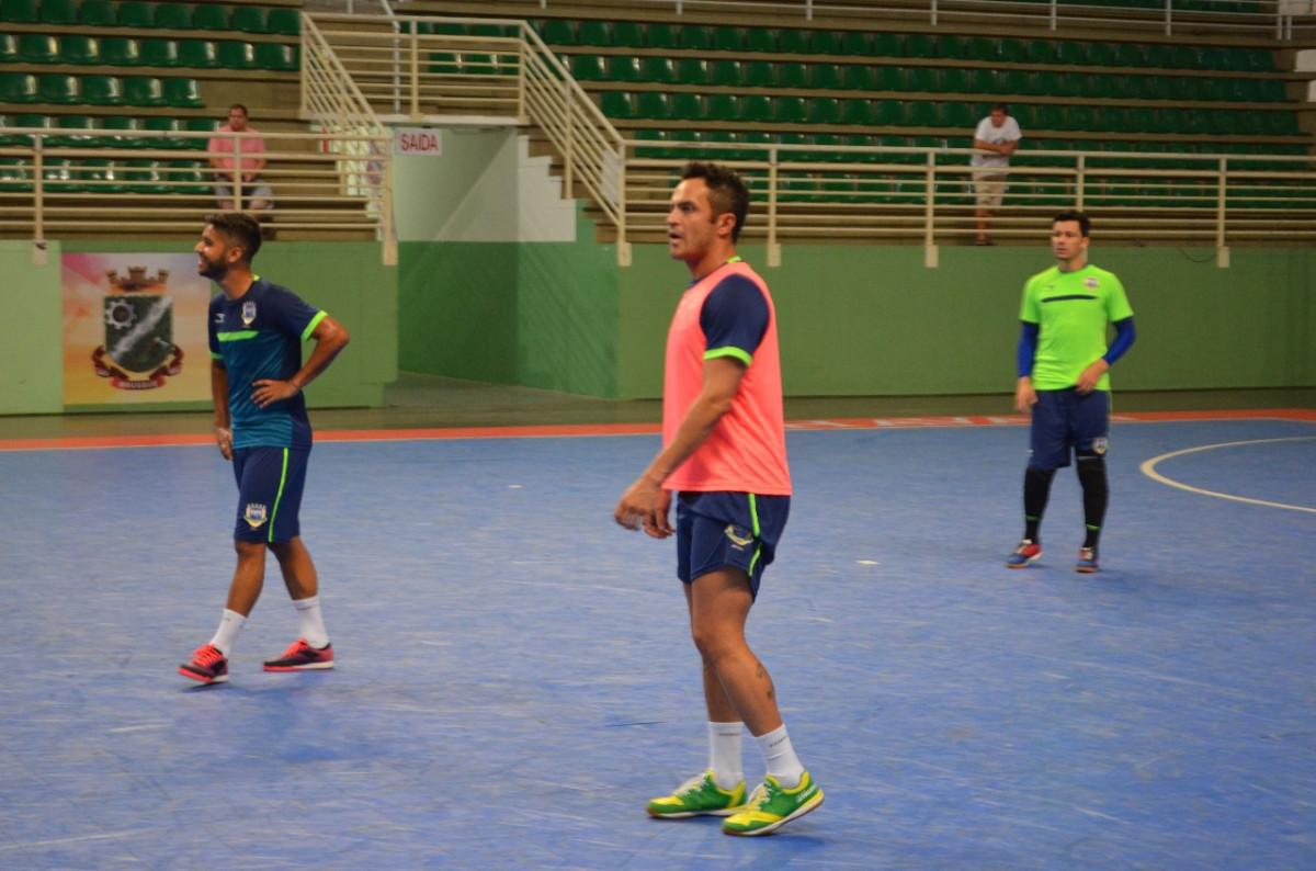 Seleção Brasileira de futsal treina na Arena Brusque para o Grand ... d2e68da74a254