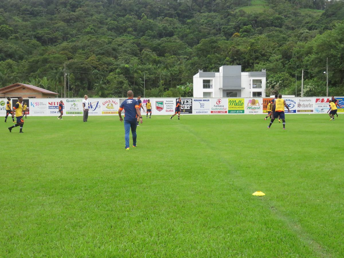 Brusque arranca empate diante do Criciúma com gol de atleta da base