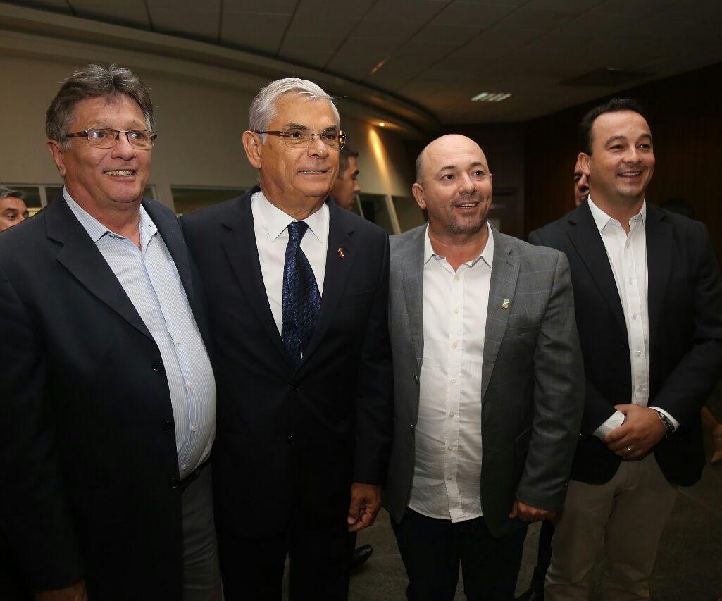 Urgente: juiz aceita denúncia contra amigos de Temer