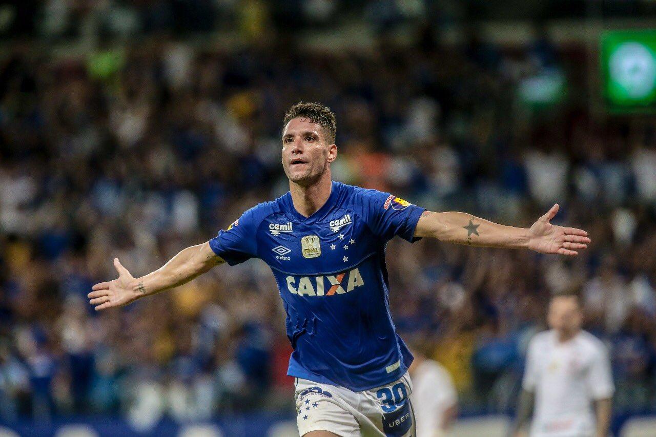 9b5c5f57fa Cruzeiro vence o Corinthians no primeiro jogo da final da Copa do ...