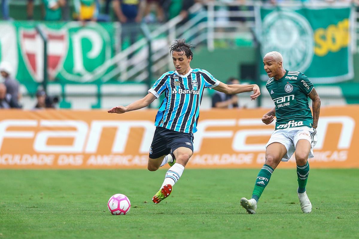 Palmeiras vence o Grêmio e segue na liderança do ...