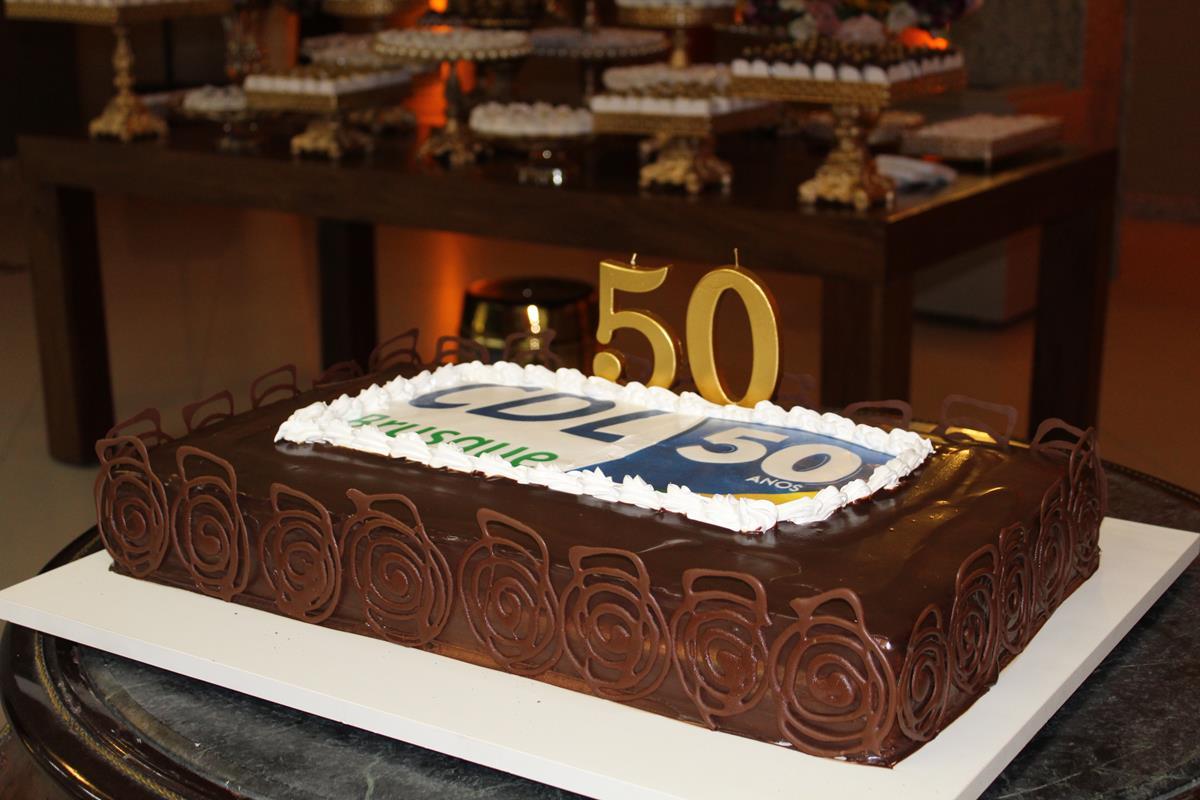 Evento Celebra 50 Anos Da Cdl Com Homenagens E Lançamento De