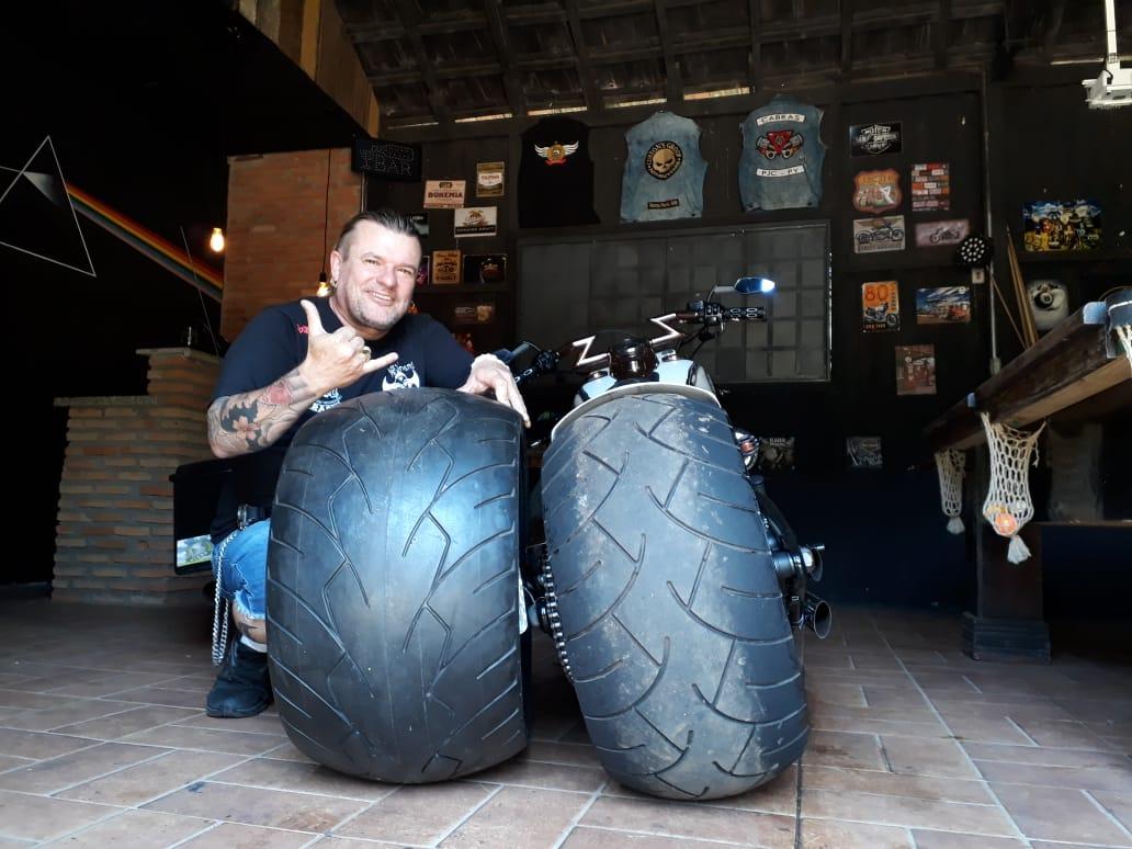 Maior Pneu de Motocicleta do Mundo