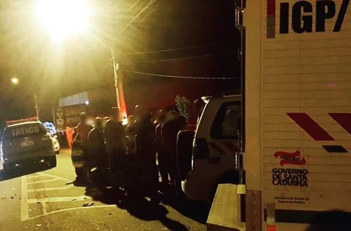 Bandidos assaltam residência em Brusque, fazem reféns mas são presos em Gaspar - O Munícipio