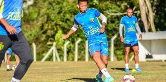 Brusque Coritiba Série B jogo atrasado Brasileirão brasileiro escalações desfalques pendurados suspensos lesionados arbitragem
