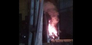 incêndio em poste