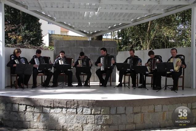 Grupo brusquense também participará da Orquestra Mundial de Acordeon