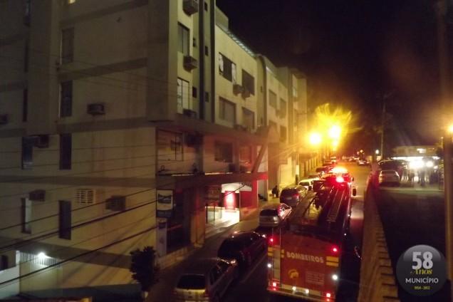 Incêndio atinge prédio no centro
