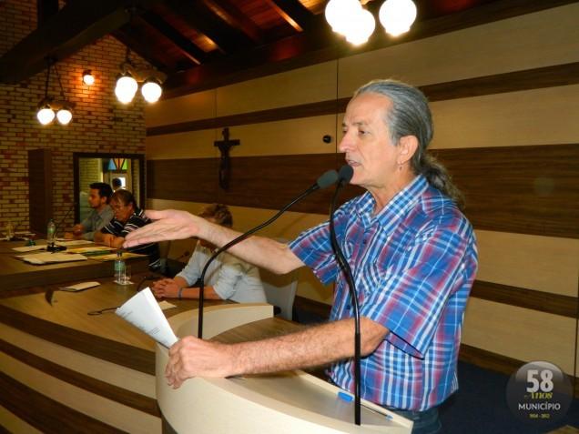 Na tribuna, o vereador defendeu que durante 12 anos o projeto aguarda para ser aprovado. Ele elogiou o presidente da Câmara, Celso Carlos Emydio da Silva (PSD) por ter posto a proposta em votação