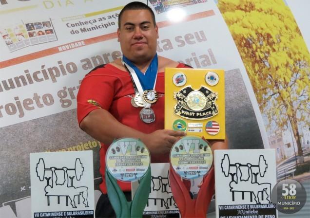Tayro Mateus levantou 230 quilos, 40 a mais do recorde anterior