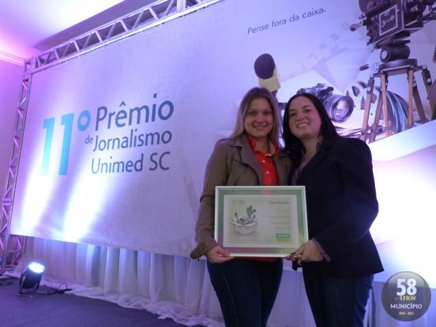 As jornalistas Carina Machado e Aline Camargo venceram o 11º Prêmio de Jornalismo Unimed SC com a série de reportagens Abuso