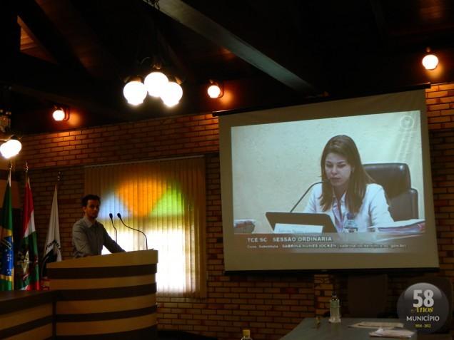 O vereador Roberto Pedro Prudêncio Neto (PSD) apresentou o vídeo da sessão do Tribunal de Contas do Estado, onde a representação foi analisada