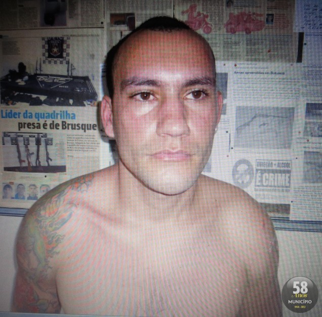 Gean Carlos Tironi, 24 anos, foi preso acusado de tráfico de drogas