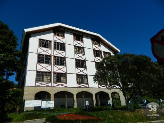 O afastamento foi declarado por medida liminar, obtida em segundo grau pelo Ministério Público de Santa Catarina (MPSC)