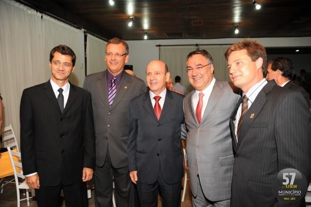 Posse da nova diretoria da CDL é prestigiada por Raimundo Colombo e autoridades