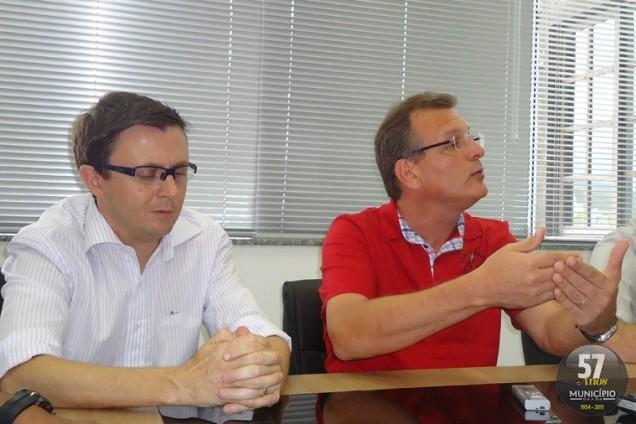 Vice-prefeito Farinha, e prefeito Paulo Eccel