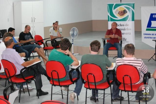 Encontro aconteceu no auditório da Paróquia São José e reuniu 21 empresários e lojistas associados