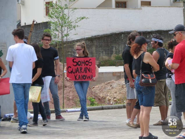 Alunos da Escola de Educação Básica Dom João Becker aderiram ao manifesto nacional