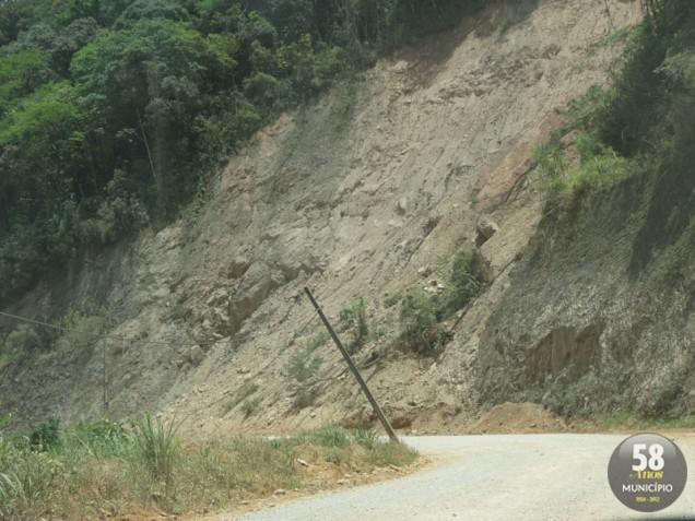 O problema mais urgente na rodovia é a falta de conservação