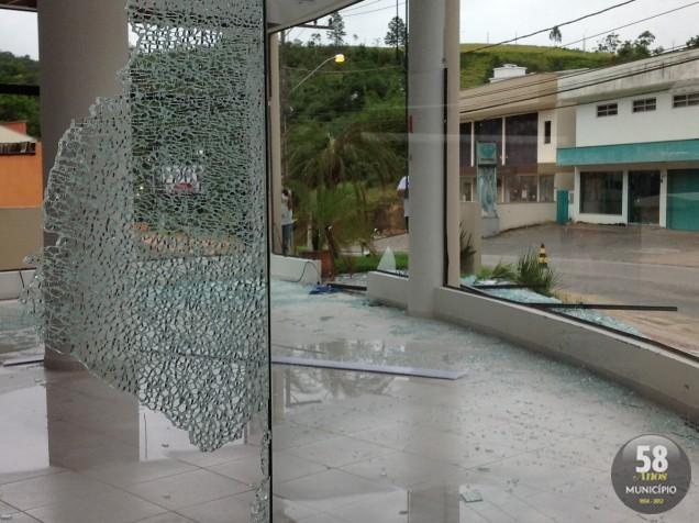 Temporal deixou rastro de destruição em Brusque, e em alguns pontos de Guabiruba e Botuverá