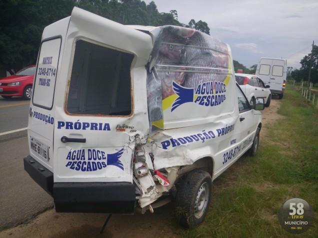 Veículo pertence a uma empresa de pescados de Itajaí
