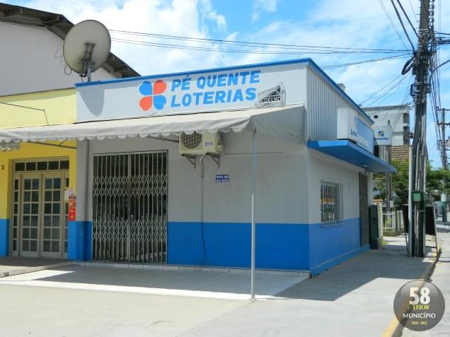 Bandidos levaram R$ 5.748 de dois guichês lotéricos