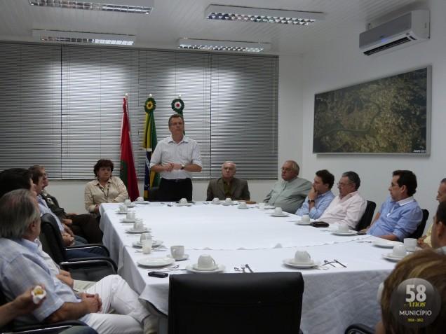 Reunião entre prefeitura e Hospital Azambuja define permanência do funcionamento do pronto-socorro
