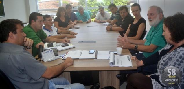 Representantes de 12 sindicatos participaram da reunião na SDR Brusque