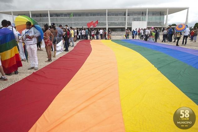 A ABGLT, que fez o requerimento, reúne 257 organizações em todo o país e promove anualmente a Marcha Nacional contra a Homofobia, em Brasília