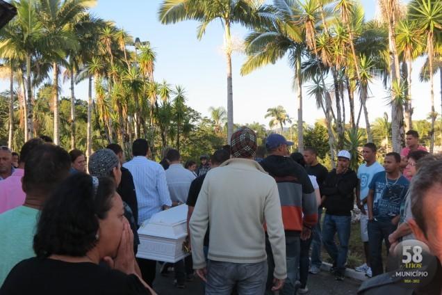 Velório e enterro foram realizados na tarde de sexta-feira