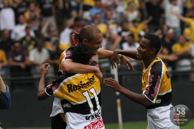 Marcel fez os dois gols do Tigre neste domingo