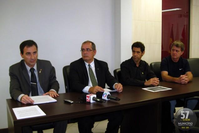Projeto foi lançado pelo presidente do Conselho das Entidades para uma Brusque Melhor (CEBM), Luis Carlos Sclindwein, o presidente da Ordem dos Advogados de Brusque - Subseção de Brusque, Ricardo Via