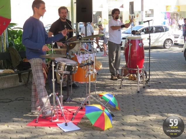 Banda se apresentou na manhã de sábado, 13 de julho
