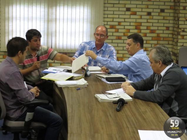 Reunião da Comissão Parlamentar de Inquérito que investiga a compra de terreno pelo Samae aconteceu na manhã desta segunda-feira, 30 de setembro