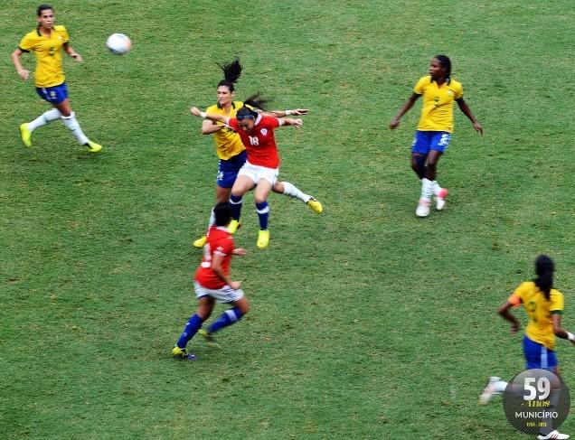 Comandadas pela atacante Marta, as brasileiras golearam as chilenas por 5 a 0 e se tornaram tetracampeãs do Torneio Internacional de Futebol Feminino