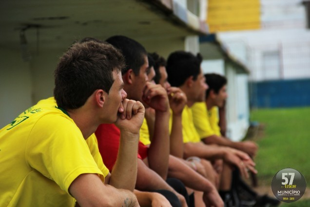 Equipe fez um treinamento coletivo no Gigantinho na tarde desta quarta-feira, 27 de março