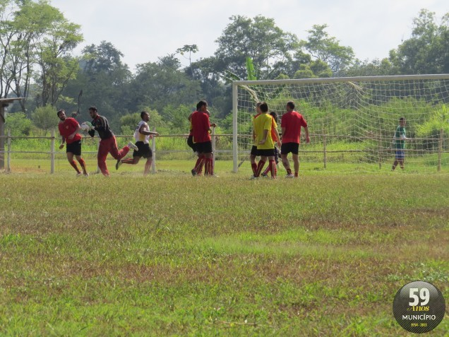Atletas do Bruscão enfatizaram jogadas de bola parada no último treino antes do confronto com o Avaí