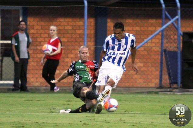 Bruscão de Eurico chegou a segunda vitória no Estadual e afundou o Avaí na zona de rebaixamento