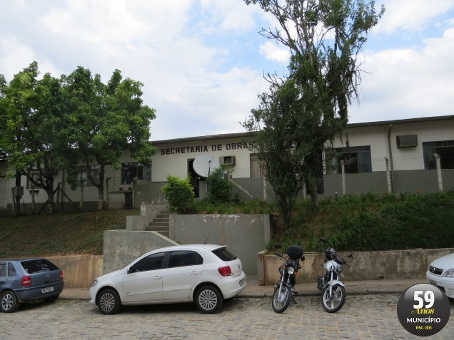O terreno com área de 8.110,00 m2, está localizada na rua Dr. Penido, Centro