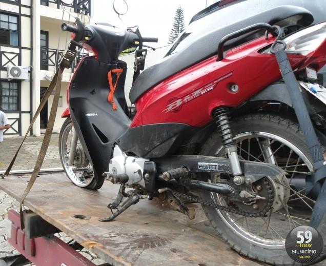 Motocicleta foi furtada no fim do ano passado, em Balneário Camboriú