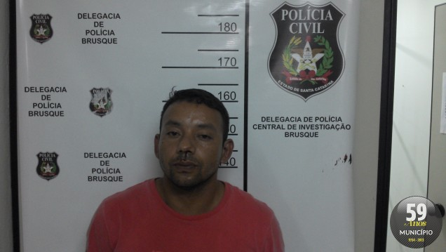 Fabio Ricardo da Silva foi preso em casa, no Centro, acusado de, junto com Ronaldo, furtar diversas lojas em um centro comercial