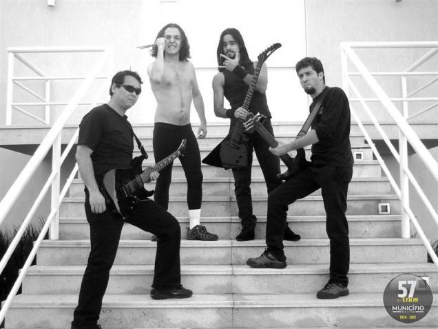 Cover de Metallica toca na Grauº